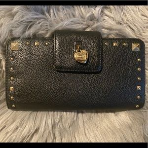 Medium sized juicy couture wallet black leather